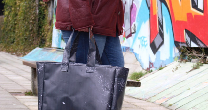 Gezocht: festivals en winkels voor backpacks van gerecycled reclamedoek